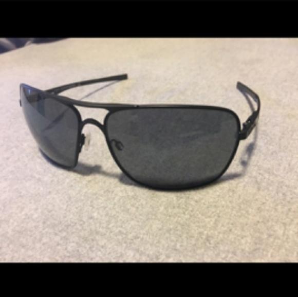 1cd8fbfd75 Oakley Plaintiff Squared Sunglasses. M 5a753fb42ae12f6652236cdb